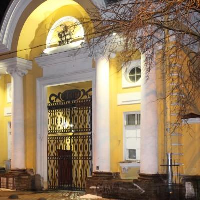 Фасад и территория университета им. А.И. Герцена