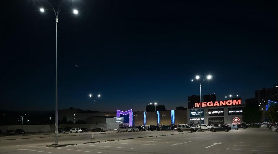 Парковка ТРЦ «Меганом»