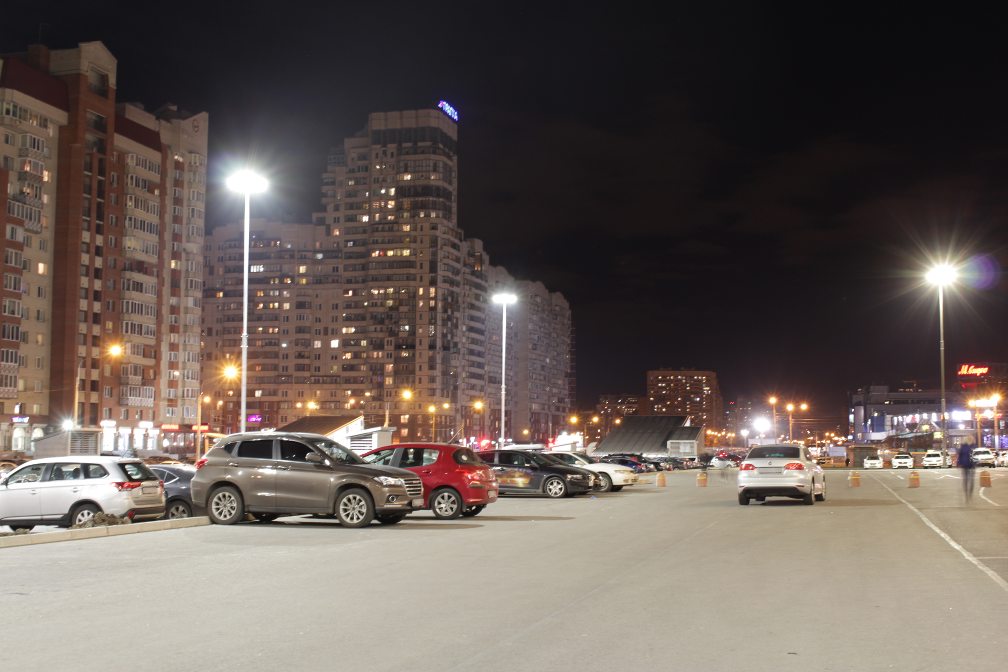 Освещение парковки ТРК «Атлантик-Сити»