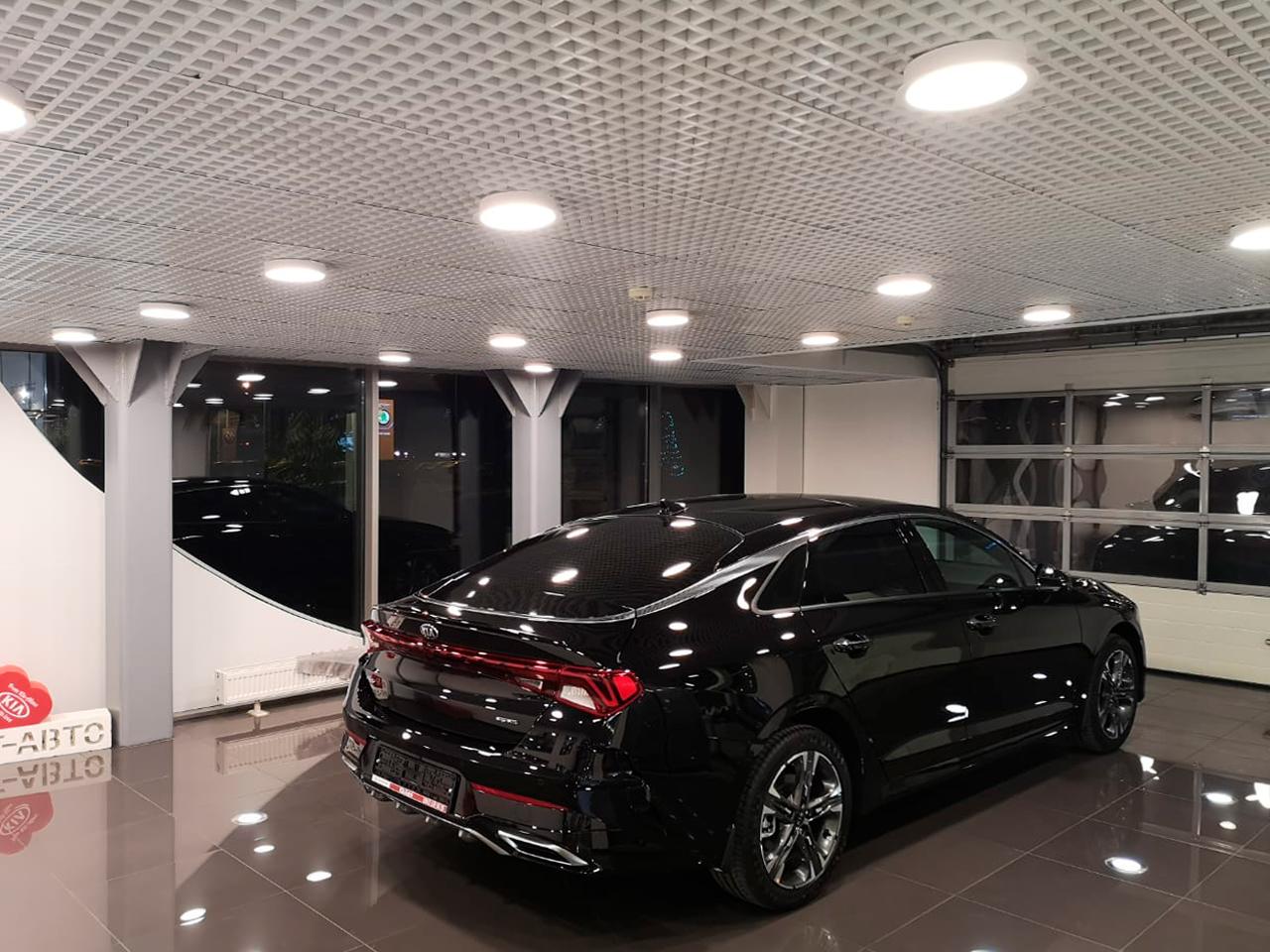 Реализованный проект освещения Автосалона Kia