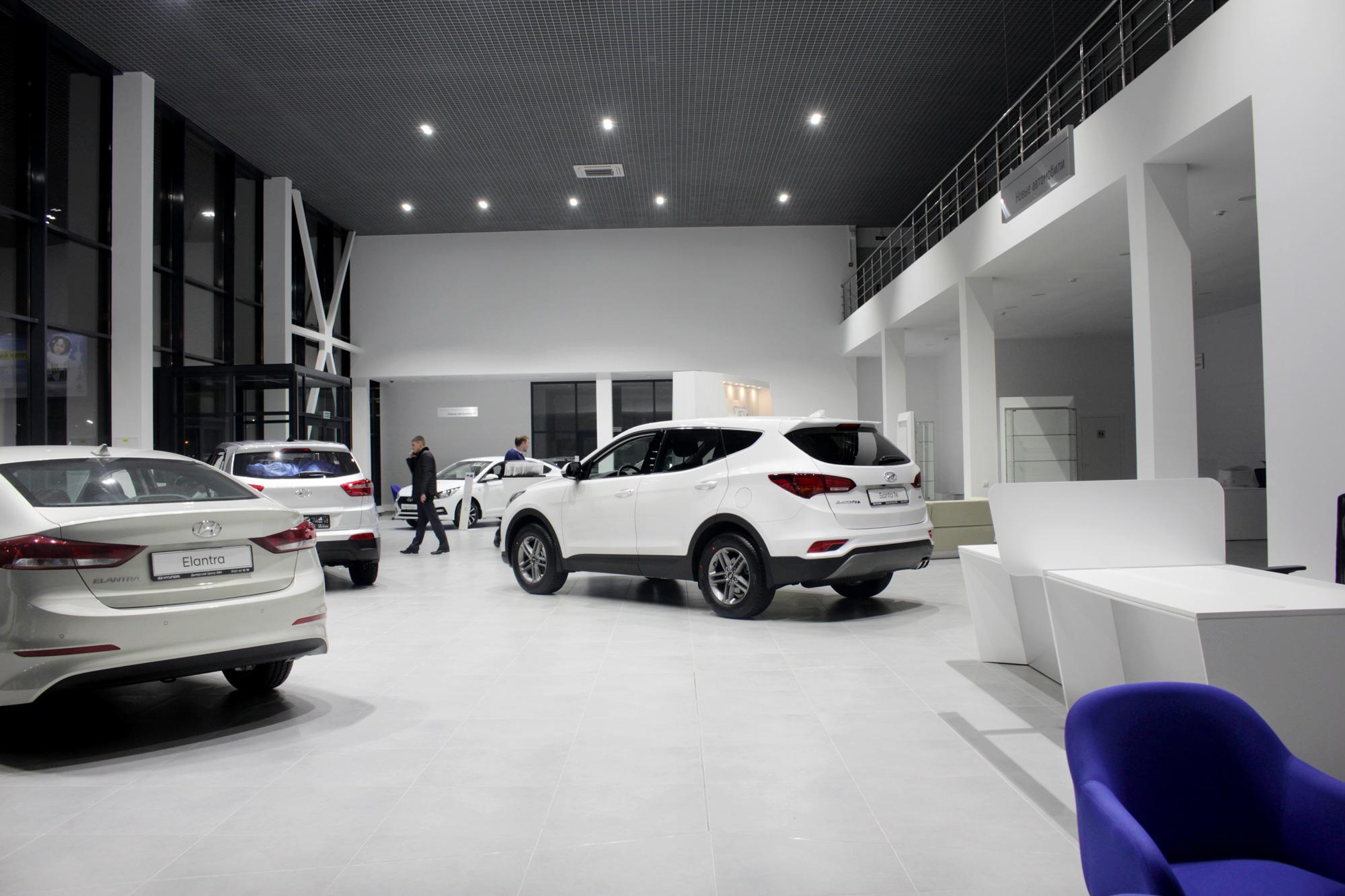 Освещение автосалона и автосервиса Hyundai