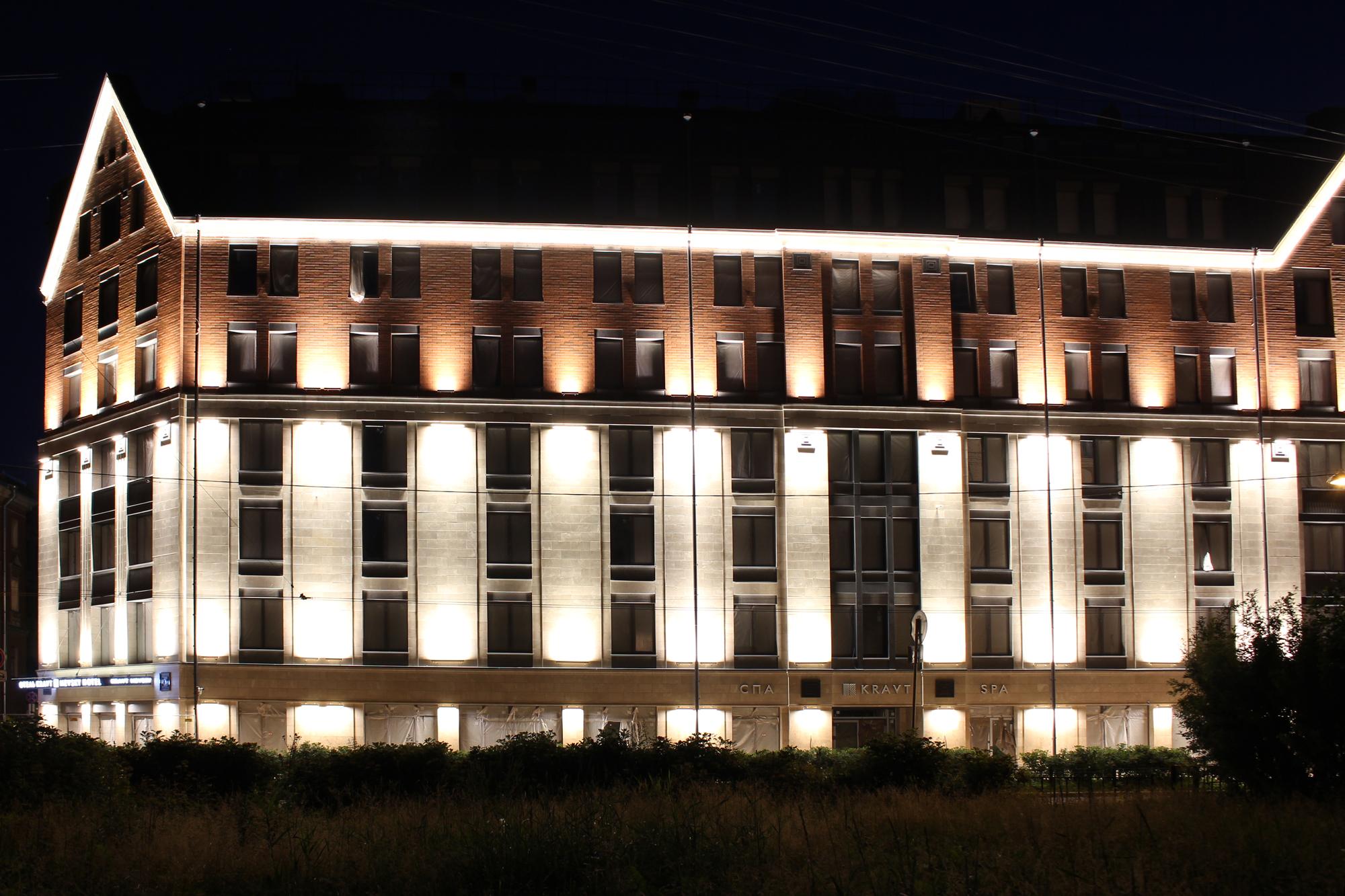 """Архитектурное освещение фасада гостиницы """"Александра Невского"""""""