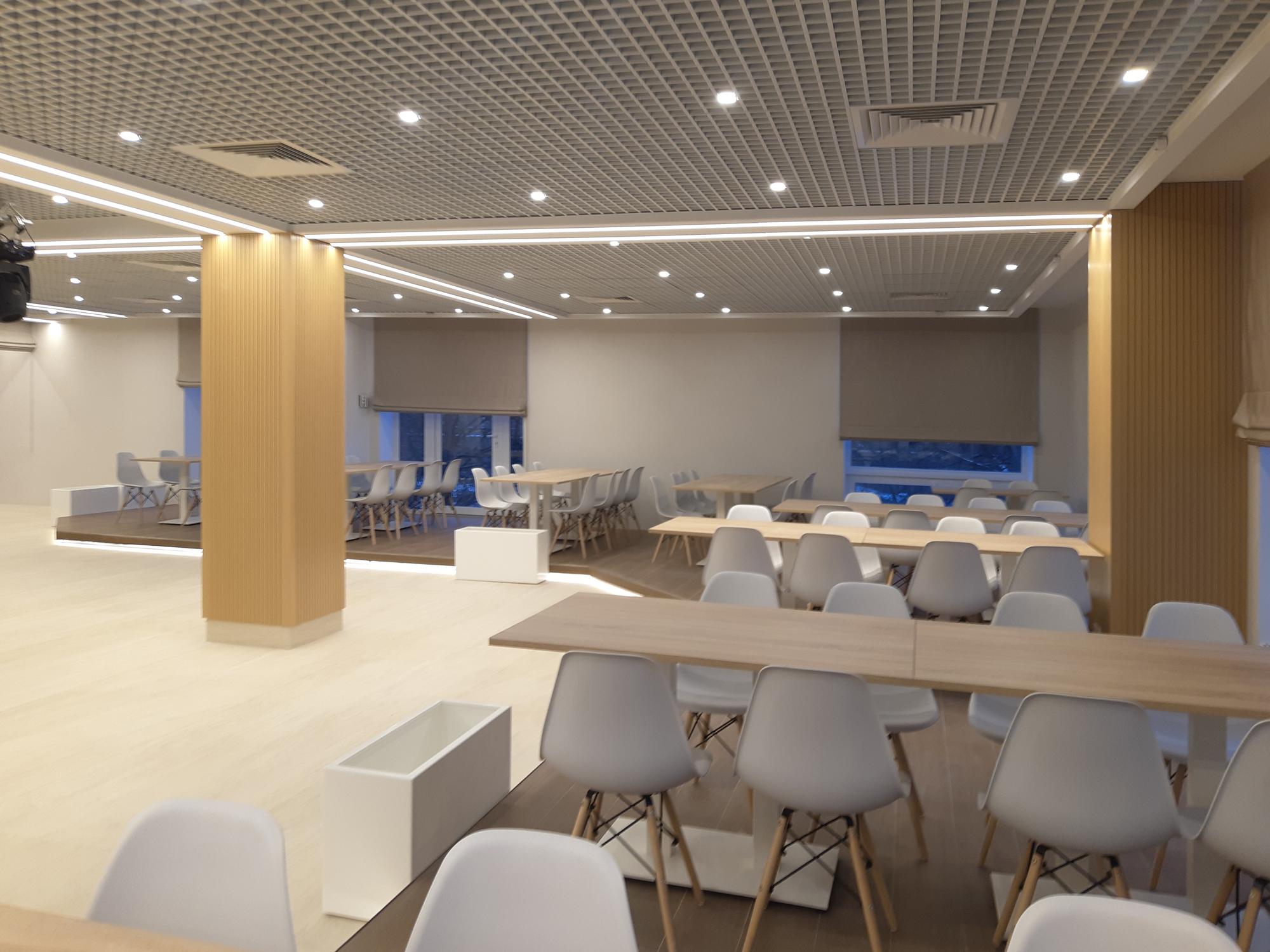 Реализованный проект освещения клубного зала СПБГУП