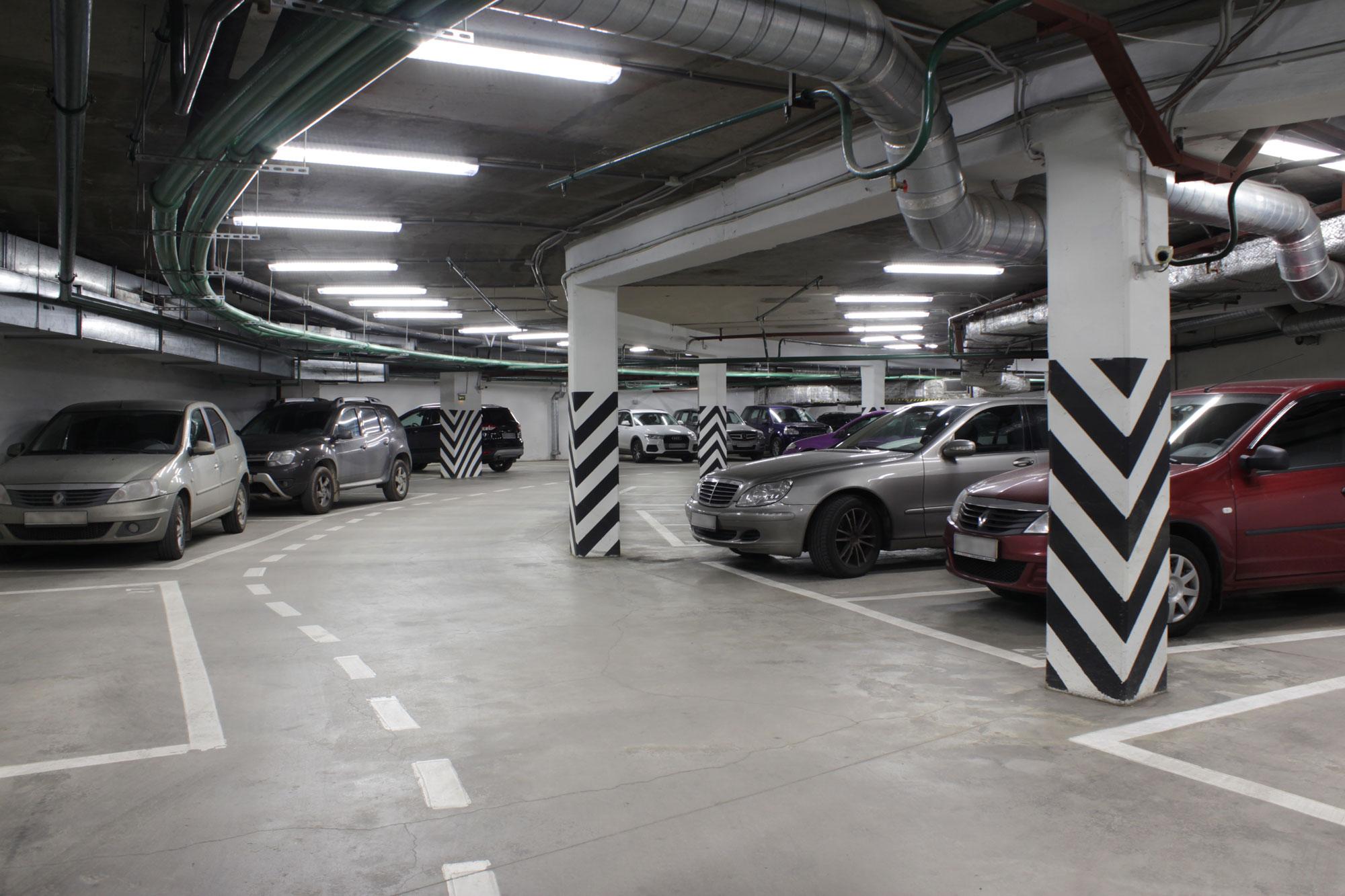 Освещение паркинга БЦ «Петровский форт»
