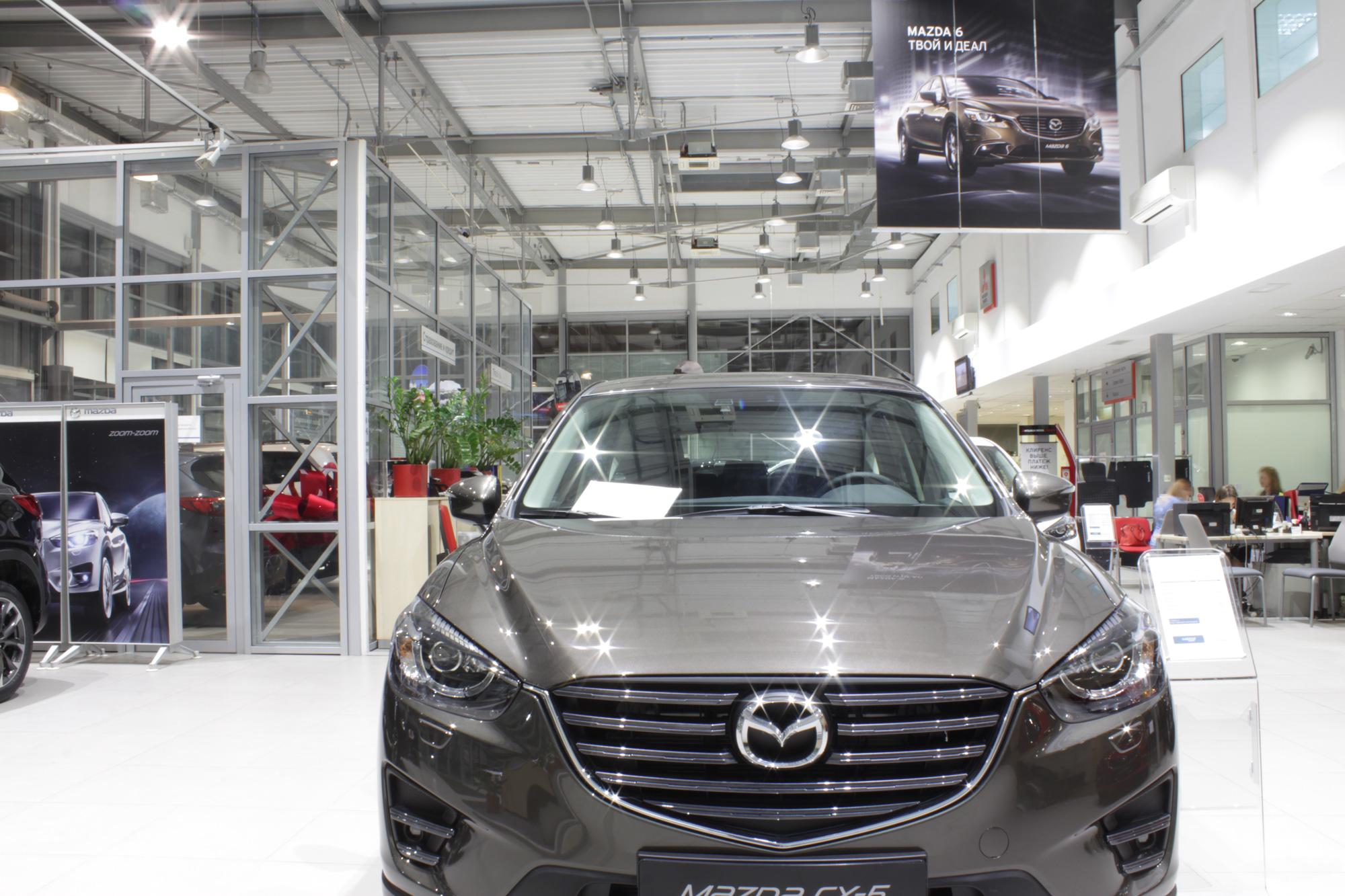 Освещение автосалона «Рольф Лахта Hyundai»