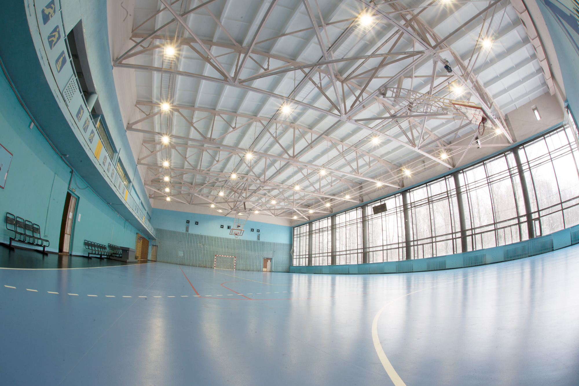 Освещение спортзала в спортивно-оздоровительном комплексе «Звезда»