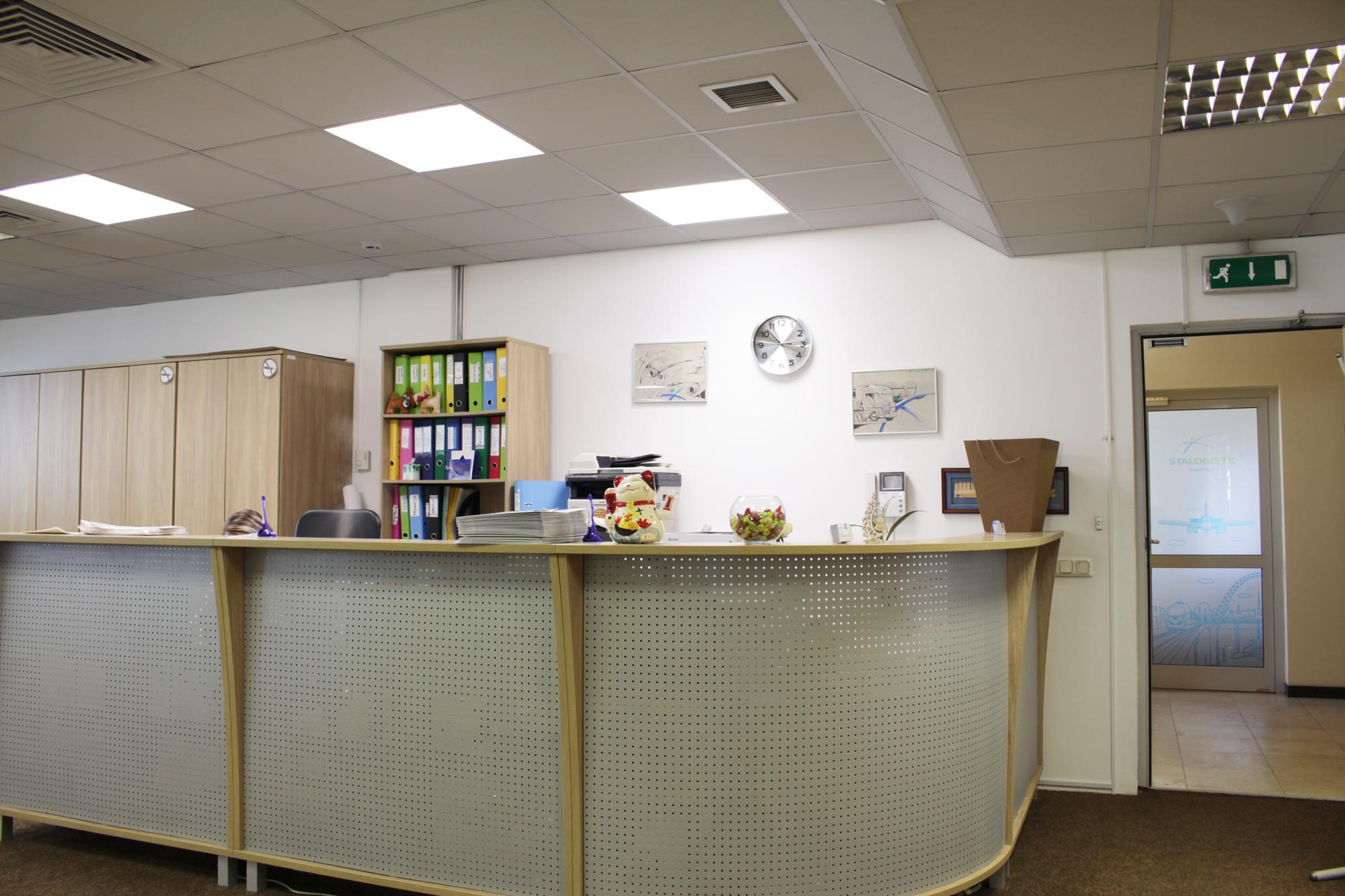 Освещение офиса СТА «Логистик Балтик»