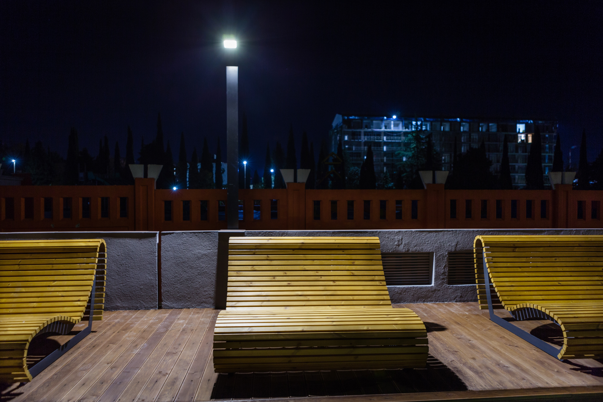 Реализованный проект освещения придомовой территории ЖК «Столичный»